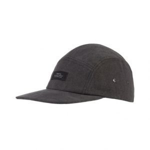 Makia Five Panel Lippalakki