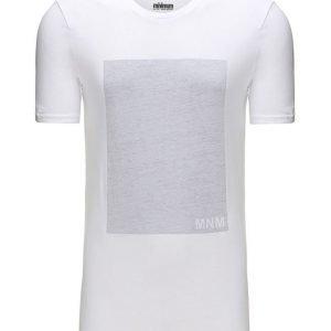 Minimum Gunton T-paita