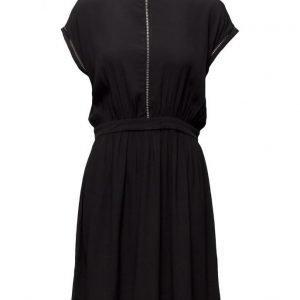 Minimum Kirsa lyhyt mekko