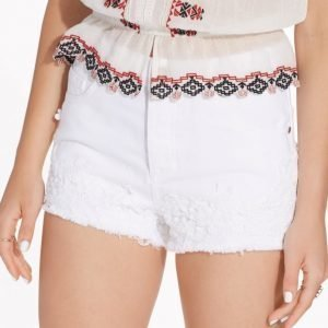 Miss Selfridge White Crochet Hem Denim Short Shortsit White