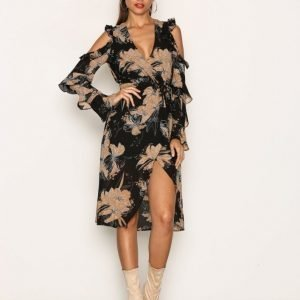 Missguided Cold Shoulder Wrap Midi Dress Pitkähihainen Mekko Black