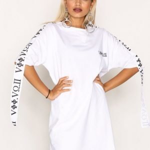 Missguided Embroidered T-Shirt Dress Loose Fit Mekko White