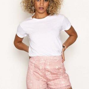 Missguided Lace Scallop Hem Shorts Shortsit Pink
