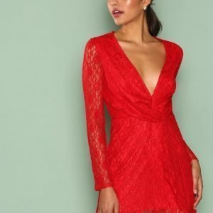 Missguided Lace Twist Front Shift Dress Skater Mekko Red