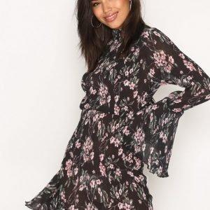 Missguided Pleated Frill Sleeve Mini Dress Kotelomekko Black