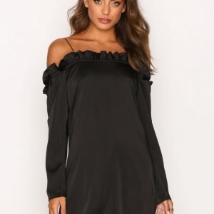 Missguided Satin Bardot Frill Dress Loose Fit Mekko Black