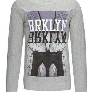 Mister Tee 'Brklyn' paita