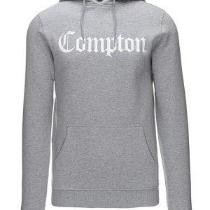Mister Tee Compton collegehuppari