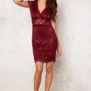 Model Behaviour Vera Dress Wine-red