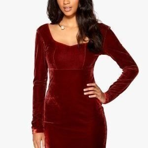 Model Behaviour Violette Dress Dark red