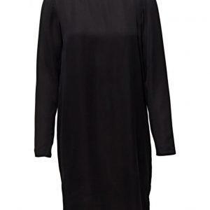 Modström Jennifer mekko