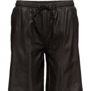 Modström Kourtney Shorts shortsit