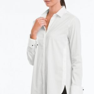 More Than Basic The Round Hem Shirt Paitapusero