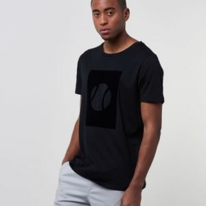 Mouli Quentin Tee Black