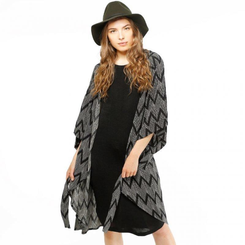 Moves by Minimum Illah -kimono