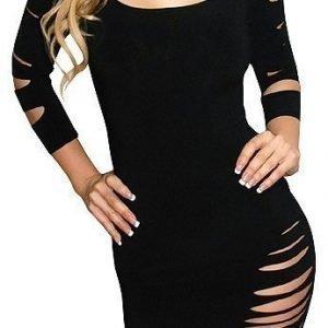 Musta paita halkioilla (Plus Size)