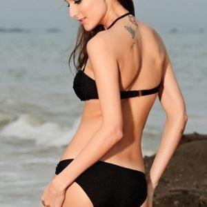 Mustat bandeau-bikinit