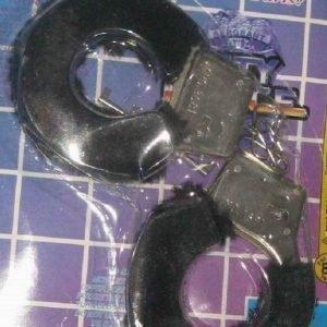 Mustat pörröiset käsiraudat