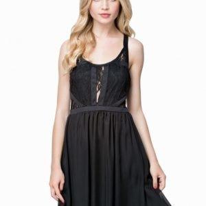NLY Blush Lace Chiffon Dress Svart