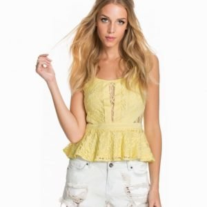 NLY Blush Lace Detail Peplum Top Ljus Gul