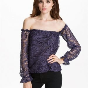 NLY Design Off-Shoulder Heavy Lace Svart