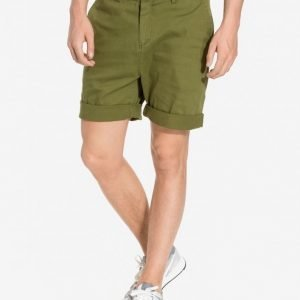 NLY MAN Chino Shorts Shortsit Oliivinvihreä