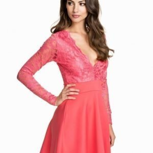 NLY One Long Sleeve Lace Skater Korall