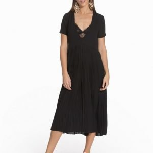 NLY Trend Behind The Pleats Dress