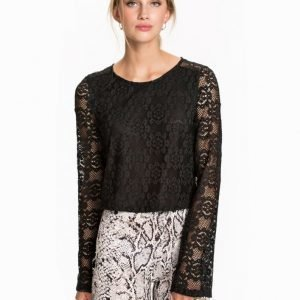 NLY Trend Bell Sleeve Lace Top