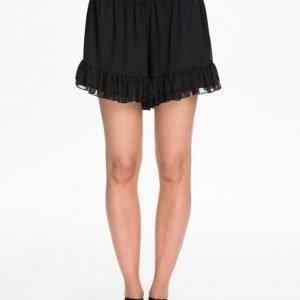 NLY Trend Chiffon Frill Shorts Svart