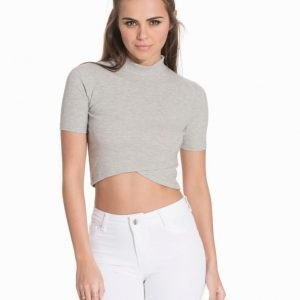 NLY Trend Cropped Wrap Top