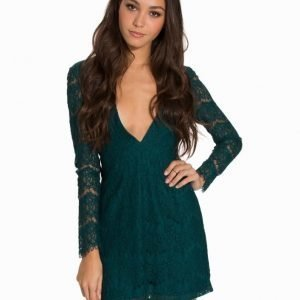 NLY Trend Deep V-Neck Lace Dress