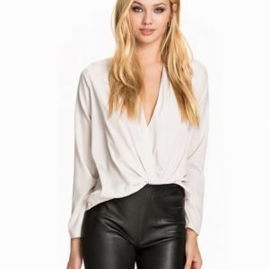 NLY Trend I Love It Blouse Mönstrad