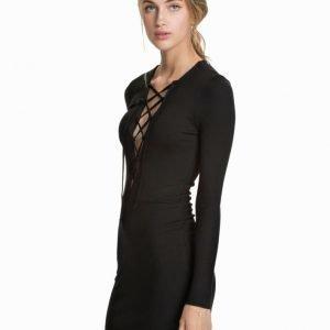 NLY Trend Lace Up Dress Svart