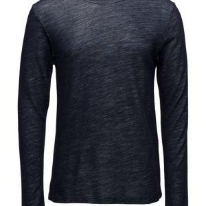 NN07 Noel 3217 pitkähihainen t-paita