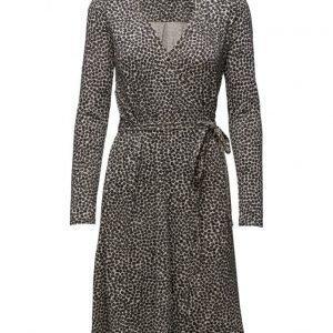 Nanso Raesokeri mekko