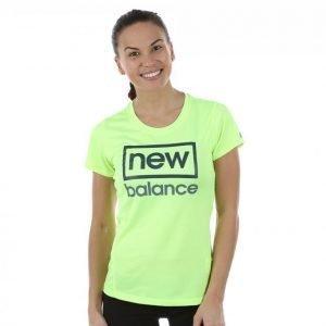 New Balance Heathered Ss Tee Graphic T-paita Vihreä