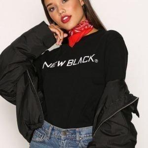 New Black Logo L / S Tee Pitkähihainen Paita Black