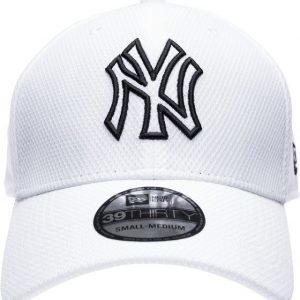 New Era 3930 Diamond Cap Lippis