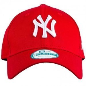 New Era 940 League Basic NEYYAN Lippis Scarlett