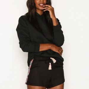 New Look Embroidered Shorts Shortsit Black