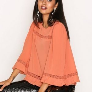 New Look Lace Trim Bell Sleeve Top Juhlapaita Apricot