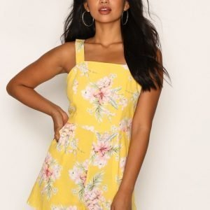 New Look Tropical Print Tie Playsuit Yellow