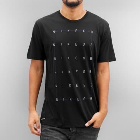 Nike SB T-paita Musta