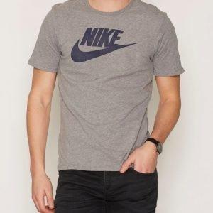 Nike Sportswear Tee Icon Futura T-paita Carbon