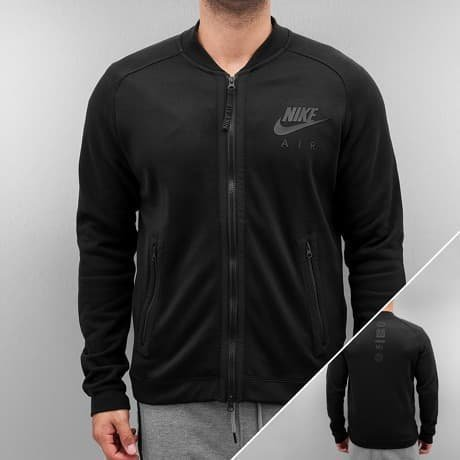 Nike Välikausitakki Musta