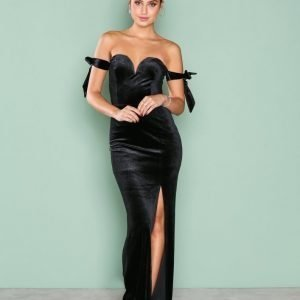 Nly Eve Off Shoulder Gown Maksimekko Musta