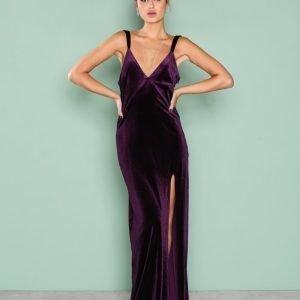 Nly Eve Velvet Dream Gown Maksimekko Violetti