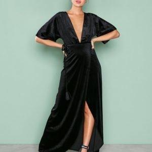 Nly Eve Velvet Kimono Gown Maksimekko Musta