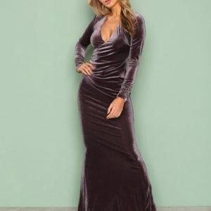 Nly Eve Velvet Mermaid Gown Maksimekko Harmaa